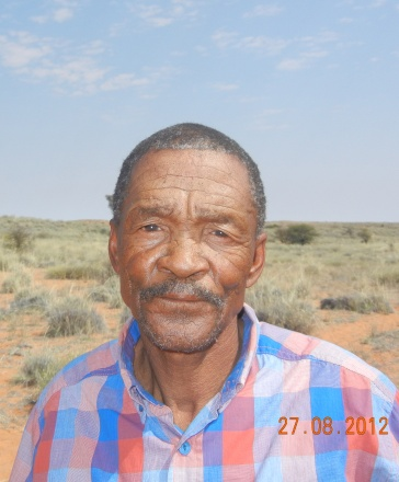 Ek het Simon Koper, 'n afstammeling van die bekende Nama-leier in 2012 op die plaas van die Khomani-San ontmoet. Hy was onbewus van die geskiedenis van sy beroemde voorsaat.